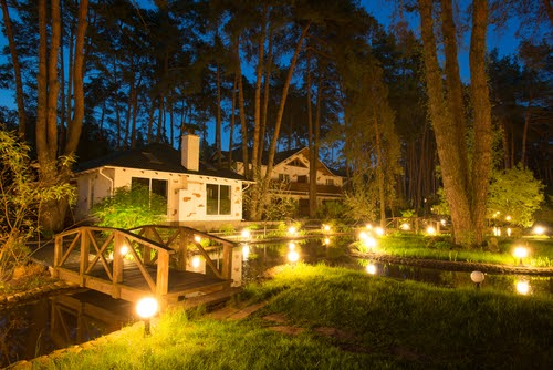 Want Your Lawn to be Lit? Check Out These Landscape Lighting Trends for 2020